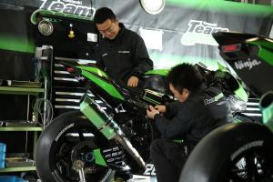 【受付終了】Twitterアカウントをフォローして、鈴鹿8耐レース直前のTeam Greenパドックを見に行こう!